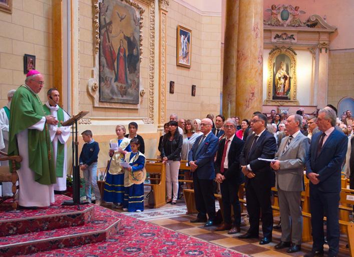 Inaugurations : Messe lors de l'inauguration de l'eglise de la Très Saint-Trinité