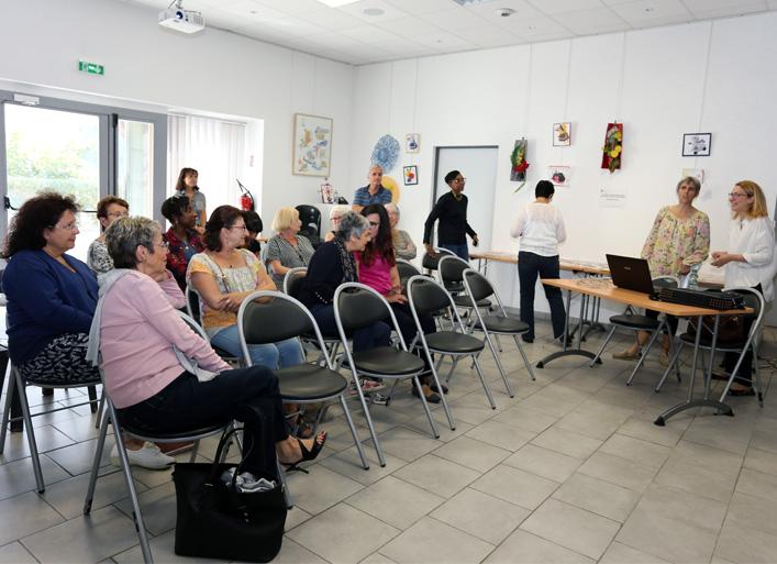 Groupe de participants à la présentation des approches en psychologie lors de la journée des aidants